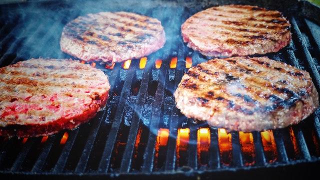 料理の裏技 ハンバーグをしっとり 肉汁たっぷり